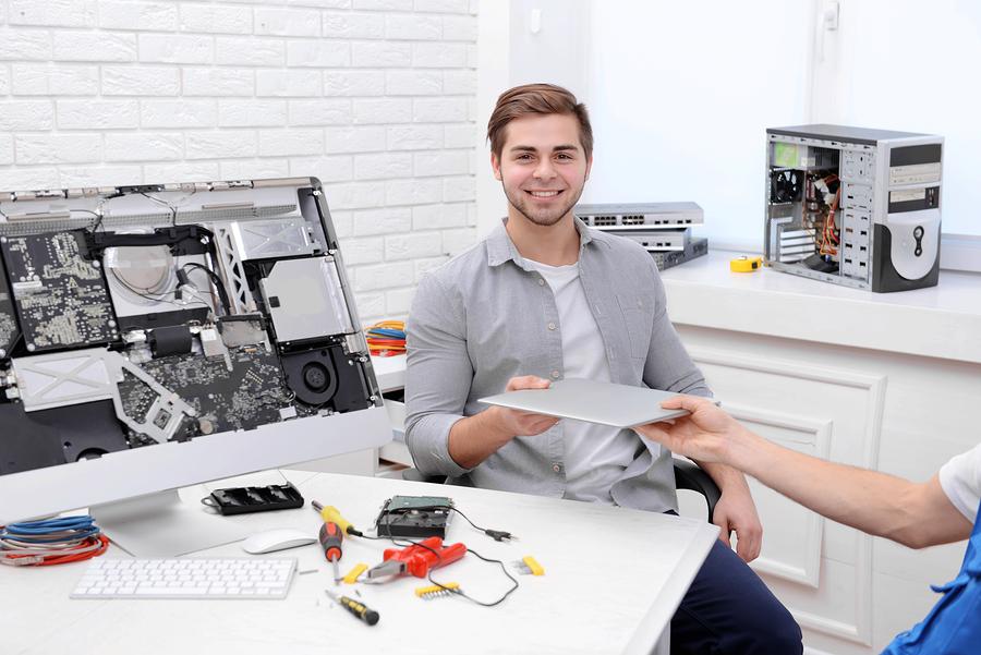 Technicien pour ordinateur portable
